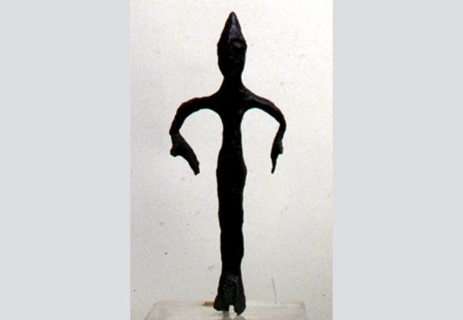 Offerente femminile in bronzo. Servirola (S. Polo d'Enza). Fine del VI secolo a.C.