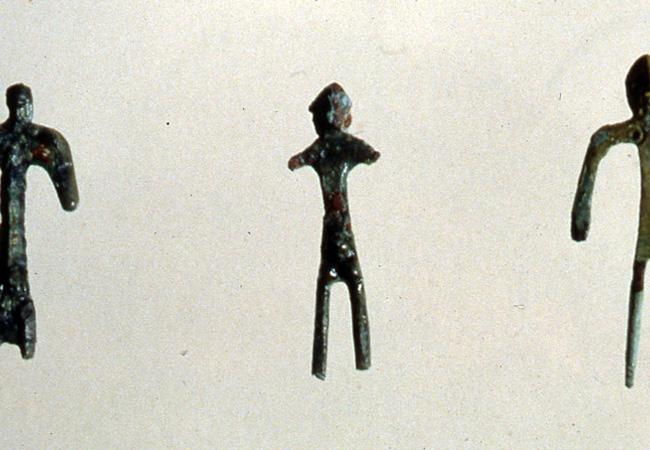 Bronzetti votivi schematici da Casale di Rivalta. V secolo a.C.