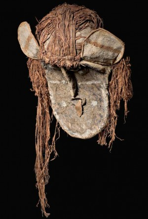 Maschera Ticunas per il rito della pubertà femminile