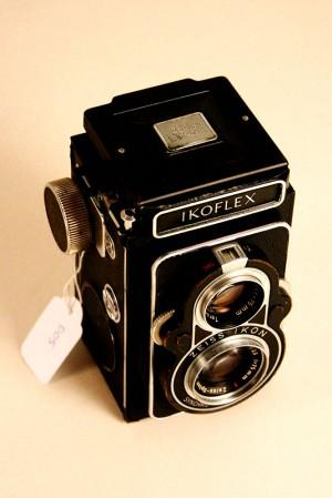 """Come condivideremo – Macchina fotografica """"Icoflex"""""""