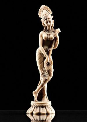 Come condivideremo – Statuetta raffigurante divinità orientale