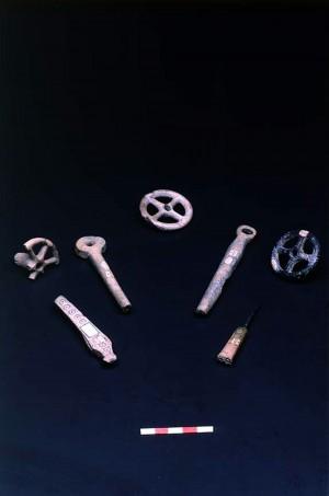 Oggetti di ornamento in osso, Età del Bronzo, Terramara della Montata (RE)