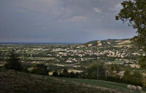 Il sito che ha ospitato l'abitato di Servirola a San Polo d'Enza. Foto © Carlo Vannini