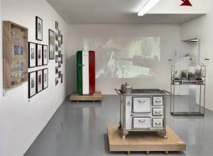 Allestimento mostra NOI-US. Foto © Carlo Vannini